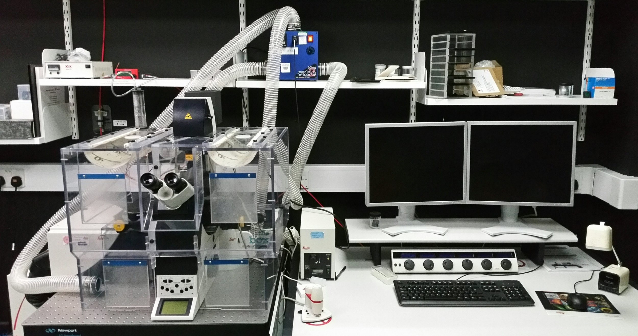 Cost   £30 p/h    Name  Bumblebee (Leica SP5)   Room  CG13   Manuals:       Confocal  or  FCS    Modality  Point scanning confocal   Fluorophores  DAPI, CFP, GFP, YFP, RFP, AF647 +BF   Manufacturer  Leica   Objectives  4x, 10x, 20x, 40x, 63x   Software  LAS-AF   Application  Fixed, live, 3D and tile imaging, FCS  Spectral unmixing, FRET + FRAP   Offline viewing software:   Here    Technical specs for publications:   Here